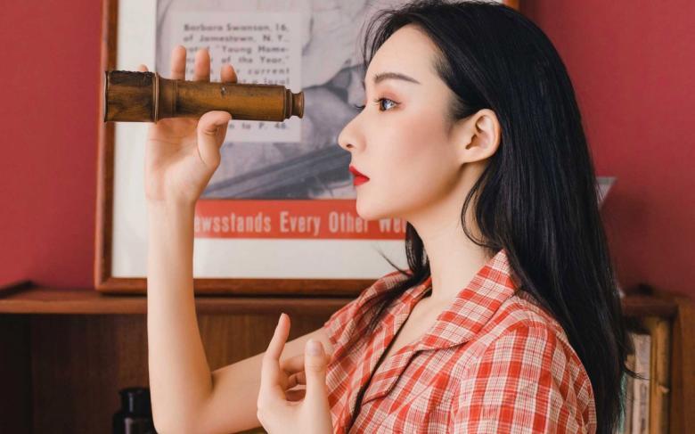 【TV】259LUXU-1050前来的是第一次出演的荻原真由美