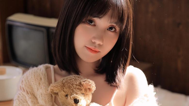 【免费】Ami美女第二部S-cute系列作品妹子的脸蛋稍微有点婴儿肥