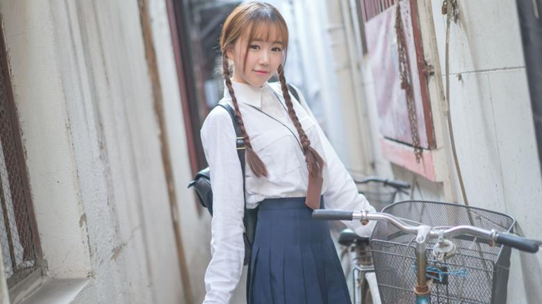 【免费】300MIUM-750Himari (22 岁) 新娘会场工作人员