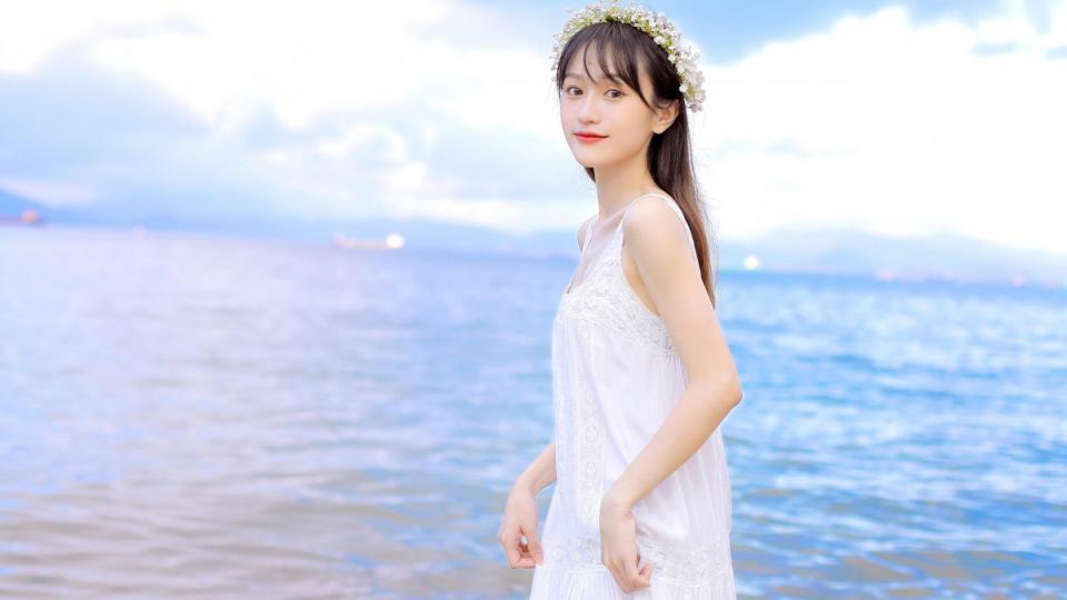 【TV】259LUXU-1329在男朋友的推荐下完成了AV演出的她